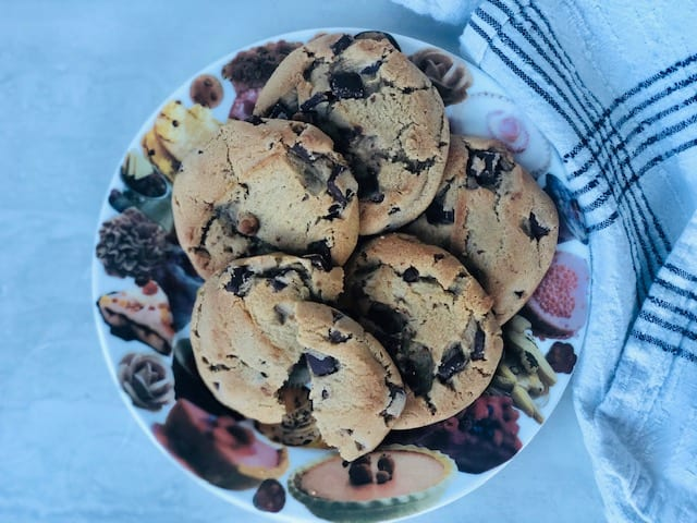 spoonful-of-comfort-chocolate-chip-cookies on plate- spoonful of comfort reviews-mealfinds