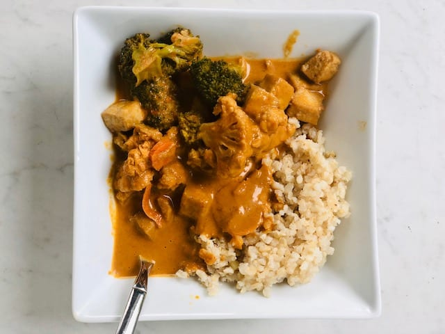 veestro-vegan-red-thai-curry-Veestro Meal Delivery Reviews-mealfinds