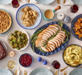 blue apron thanksgiving feast 2021-blue aprong thanksgiving meal kit-mealfinds