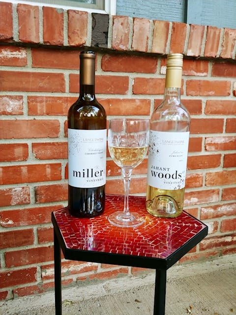 red wine bottle and white wine bottle with glass- california wine club reviews-mealfinds