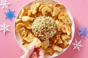 dinnerly-christmas-cheese-ball-appetizer