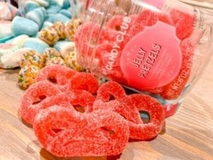 candy-club-candy-gift-jelly-pretzels