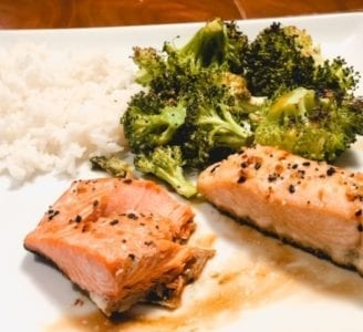 sizzlefish-salmon on plate- Sizzlefish Seafood Delivery Reviews - MealFinds